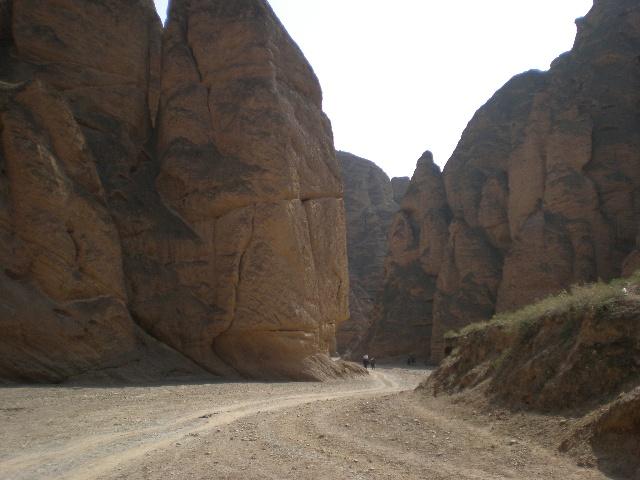 庆祝华诞60周年甘肃大旅游之黄河石林风景区