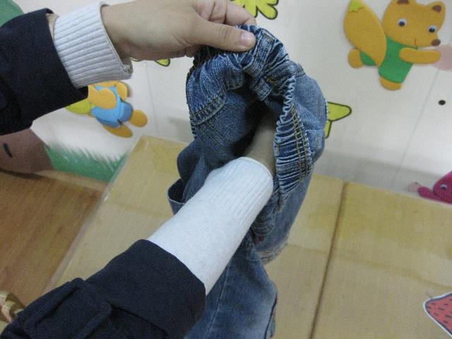 叠裤子的步骤图解