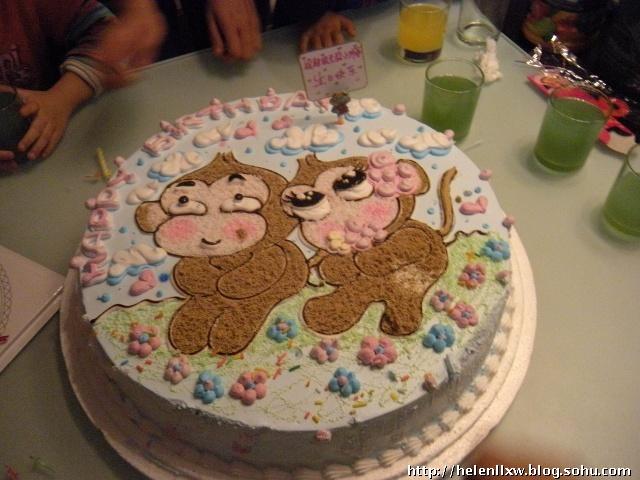 让我魂牵梦萦的小猴子蛋糕啊~~这次干妈订了个16寸的