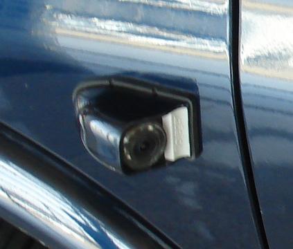 电动车窗,电动倒车镜,电加热除霜倒车镜 6.