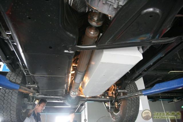 千里马——牧马人副油箱安装