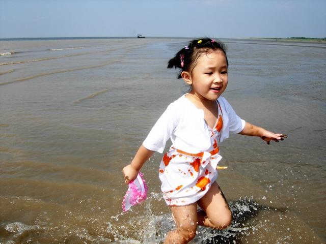 崇明岛西沙湿地听潮,踏浪,玩泥巴