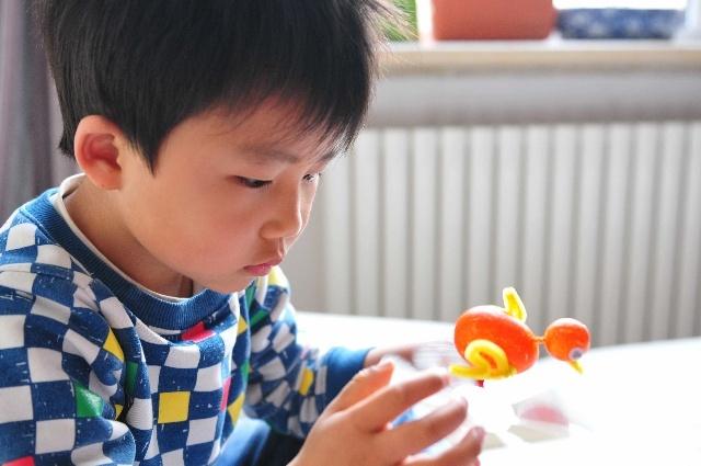 幼儿园手工作业之-----宝宝鸡风向标